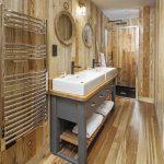 Bobcat - Shower Room